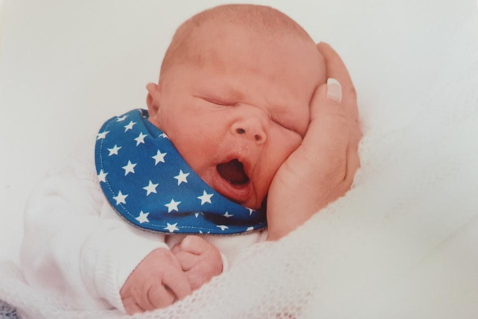 Miko, geboren am 11. März, Geburtsort: Kamenz, Gewicht: 3.560 Gramm, Größe: 50 Zentimeter, Eltern: Anja Gottschald und Mirko Fiedler, Wohnort: Kamenz