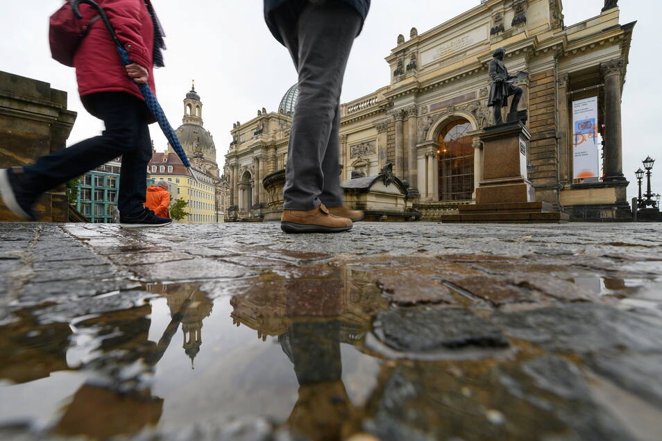 Am Donnerstag hat es in Dresden immer wieder Schauer gegeben. Ähnlich ist das Wetter am Freitag.