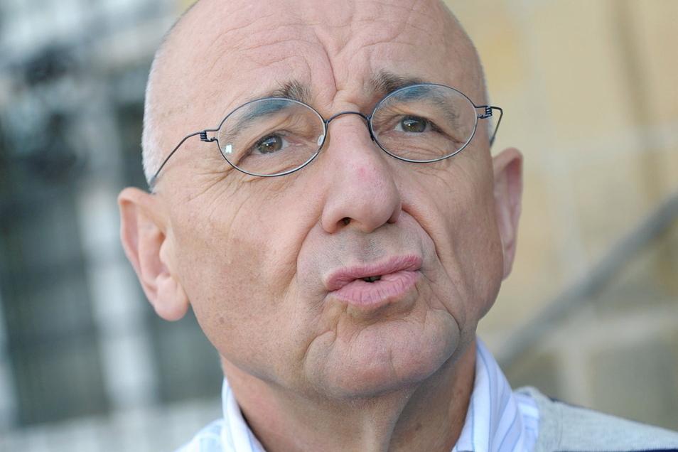 Der ehemalige bayerische Justizminister Alfred Sauter steht in der Maskenaffäre unter Druck. Um einem möglichen Ausschlussverfahren zuvorzukommen, hat der CSU-Politiker nun seine Fraktionsmitgliedschaft gekündigt.