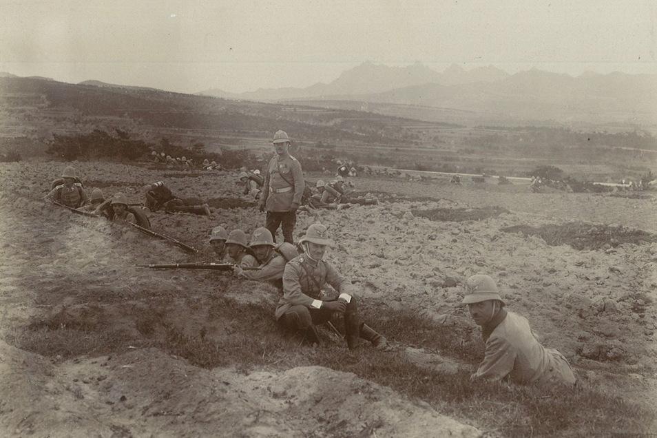 Kiautschou wird von 2.400 Soldaten gesichert. Hier Kameraden von Karl Kockisch vom III. Kaiserlichen Seebataillon bei einer Gefechtsübung.