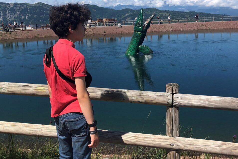 Kein Grund zum Fürchten: Im Triassic Park tauchen Dinos mit Getöse auf.