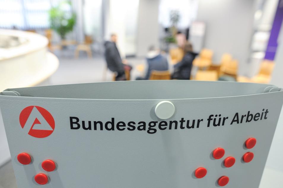 Mehr als zwei Drittel der Arbeitslosengeld-Empfänger in Sachsen bekommt weniger als 1000 Euro pro Monat.