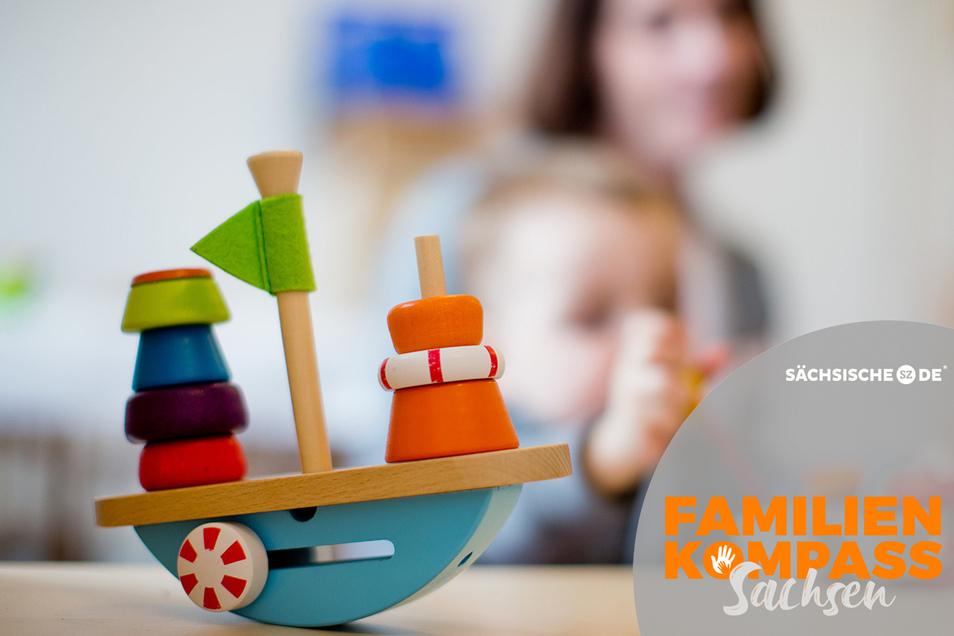 Kinder, Haushalt, Arbeit: Die Situation durch die Corona-Krise bereitet vielen sächsischen Eltern Kopfschmerzen. Sie fühlen sich überfordert.
