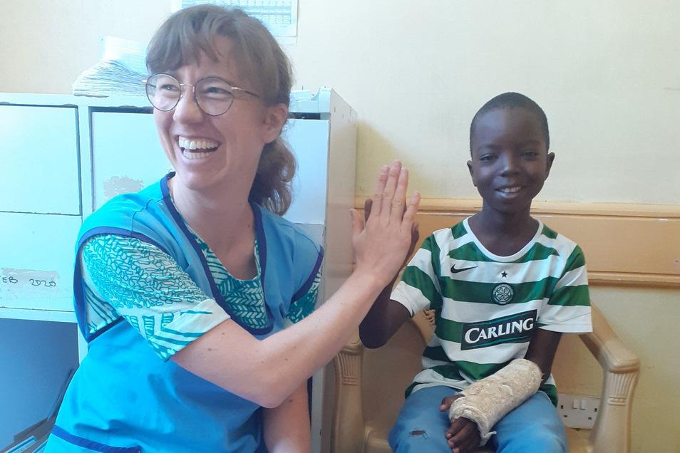 Wenn Dr. Theresa Meißner ihren kleinen Patienten ein Lächeln entlocken konnte, war das ein riesiger Erfolg.