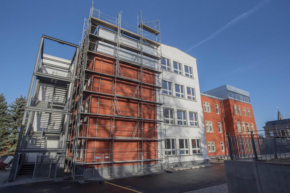 Die Bauarbeiten an der Großröhrsdorfer Praßergrundschule gehen dem Ende entgegen.