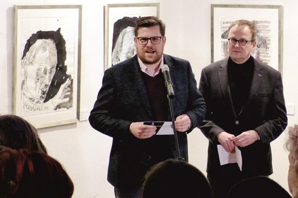Benedikt M. Hummel, Schatzmeister des Aktionskreis für Görlitz (links) eröffnet gemeinsam mit Frank Seibel, Chef des Messiaen-Trägervereins...