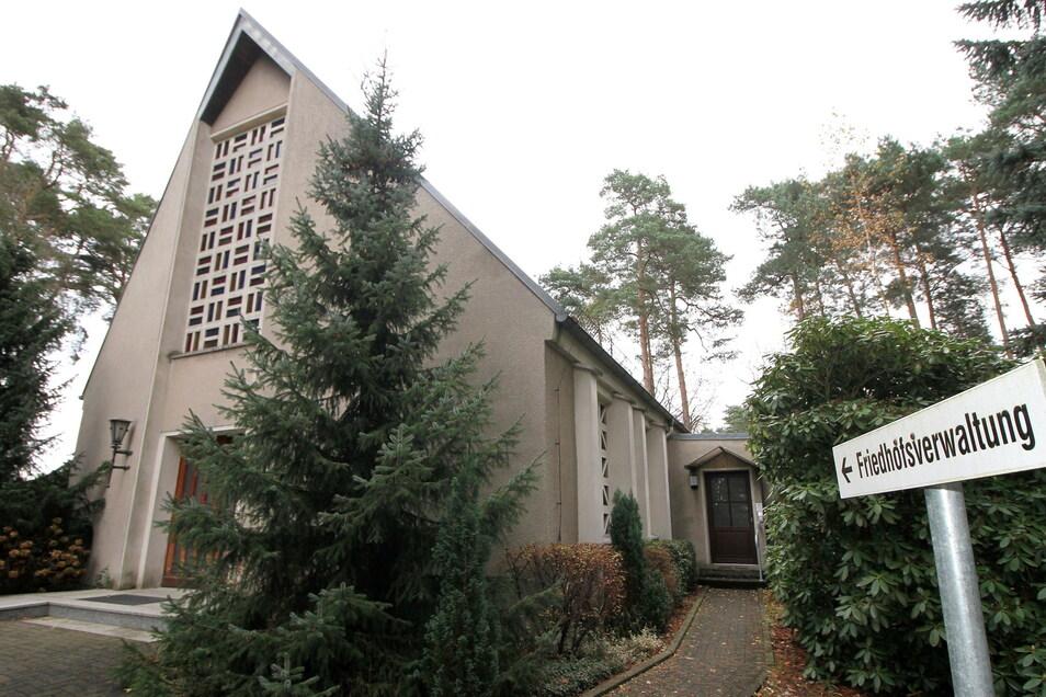 Für die Trauerfeierhalle auf dem Waldfriedhof in Niesky beginnt die Sanierung.
