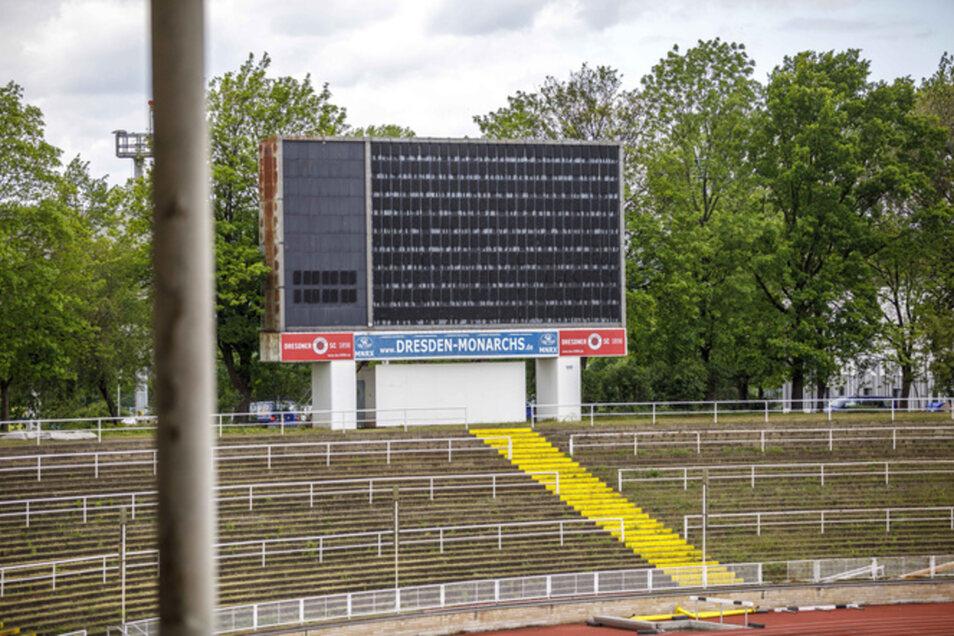Die Anzeigentafel im Steyer-Stadion erzählt eine Teil der Stadiongeschichte.