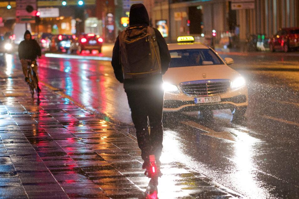 Besonders Großstädte haben seit Einführung der E-Scooter zahlreiche Unfälle zu verbuchen.