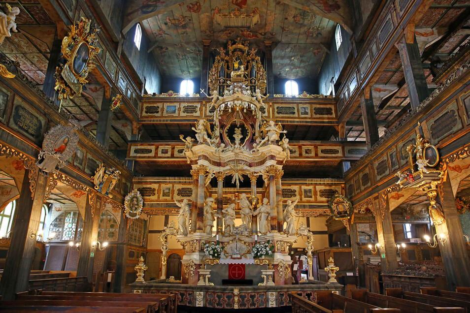"""Die evangelische Friedenskirche """"Zur heiligen Dreifaltigkeit"""" in Swidnica (Schweidnitz) gehört zu den bedeutendsten Sehenswürdigkeiten in Schlesien."""