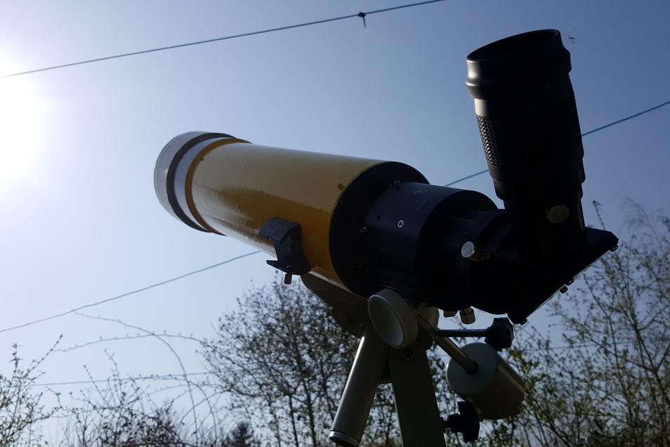Die Sternenfreunde Riesa benutzen bei Sonnenfinsternissen besondere Filter an ihren Fernrohren.