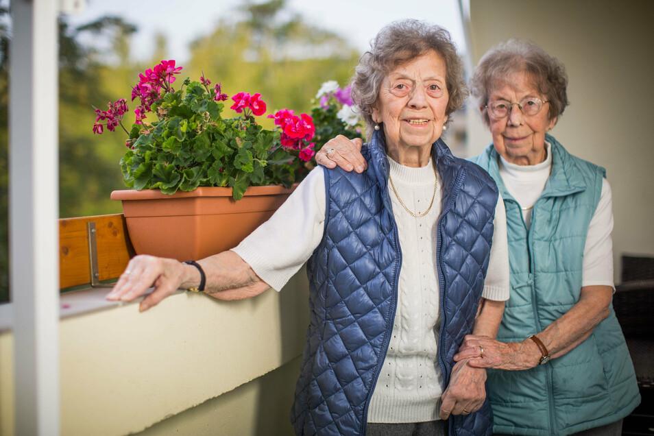 Ingeborg Friedrich (l.) und Gertraude Scholz haben einander nie losgelassen.