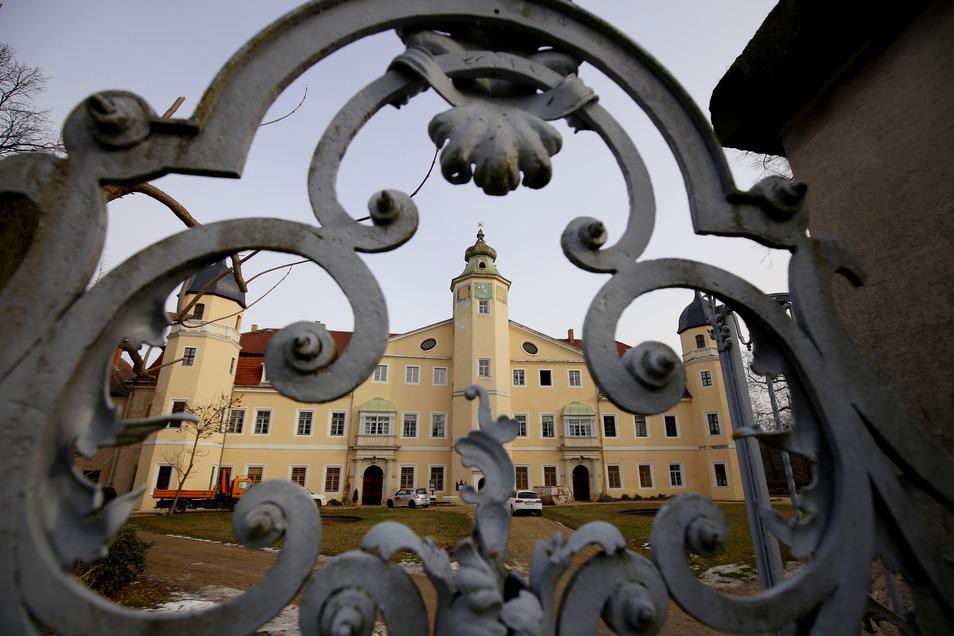 Der Erhalt des Hermsdorfer Schlosses ist für Ottendorf-Okrilla eine finanzielle Herausforderung.