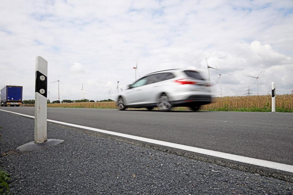 Die Ortsverbindungsstraße zwischen Streumen und Glaubitz wurde erneuert. Aber das reizt auch zum Gasgeben.