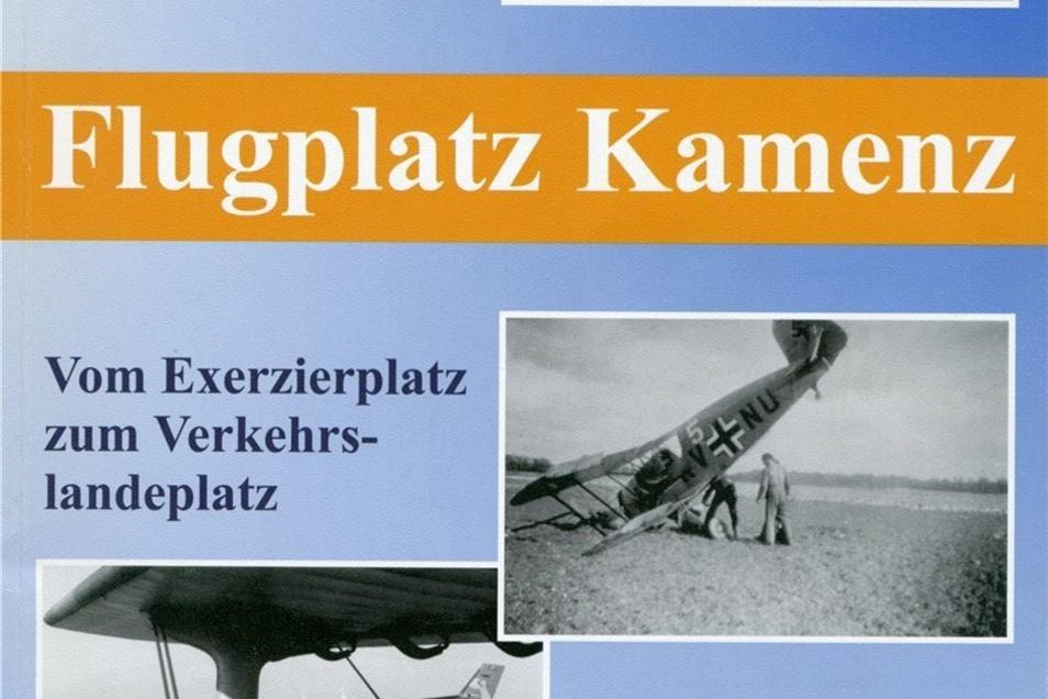 """""""Flugplatz Kamenz"""" von Gerhard Kaiser und Jürgen Buch ist ein interessanter historischer Abriss der Fliegerhorstgeschichte. Die Broschüre ist zum Flugplatzfest erhältlich."""