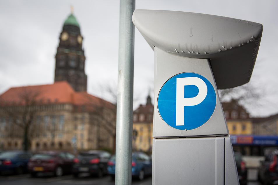 Das Dresdner Rathaus will mehr Geld mit den Parkautomaten einnehmen.