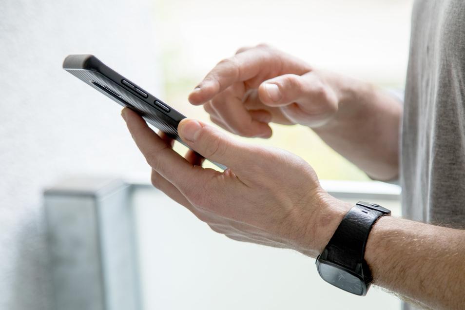 Telefonieren und surfen per Handy ist in einigen Orten im Landkreis Bautzen jetzt besser möglich.