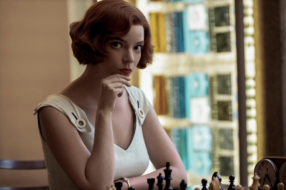 """""""Das Damengambit"""" bekam zwei Golden Globes: Einen für die beste Miniserie des Jahres, einen weiteren für Anya Taylor-Joy als beste Hauptdarstellerin in einer Miniserie."""
