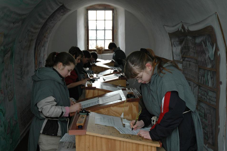 Am 19. Oktober können Kinder von 10 bis 15 Uhr im Kloster Buch im Scriptorium kreativ werden.