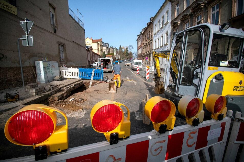 An der Härtelstraße war eine alte Trinkwasserleitung gebrochen. Sie wurde am Dienstag repariert.