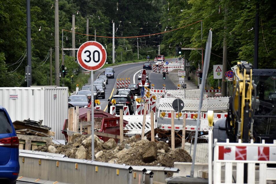 Die Bauarbeiten zwischen Fischhaus- und Brockhausstraße verzögern sich fast um ein halbes Jahr.