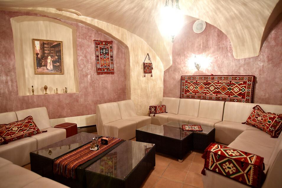 """Im Lounge-Bereich des """"Pasa Mangal"""" sollen künftig Bauchtänzerinnen für Stimmung sorgen."""