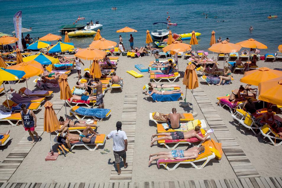 Die Chancen auf Urlaub am Mittelmeer steigen: Bundesaußenminister Maas verständigte sich mit seinen Kollegen aus zehn der beliebtesten Urlaubsländer der Deutschen darauf, auf eine Öffnung der Grenzen für Touristen bis zum Sommerbeginn hinzuarbeiten.