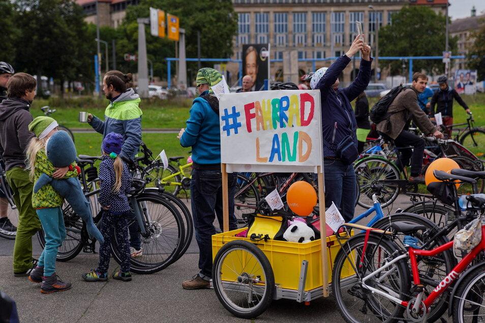"""Bis 2030 sollen Dresden und ganz Deutschland zum """"Fahrradland"""" werden, hofft der ADFC."""