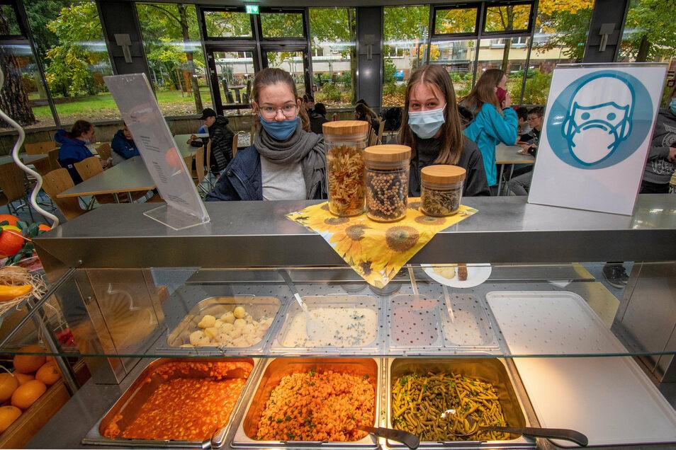 Beim Buffet-Essen im Lessing-Gymnasium können die Schüler die Beilagen selbst wählen. Es war vor Jahren eingeführt worden, um eine höhere Qualität des Essens zu gewährleisten. Am Anfang hat das auch funktioniert.