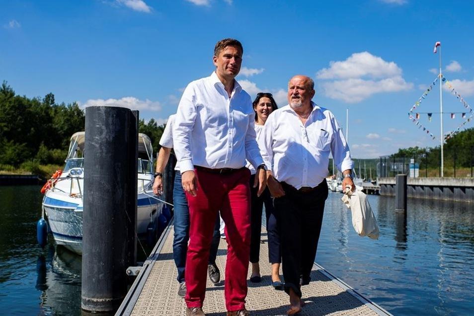 Auch dem Berzdorfer See stattete er einen Besuch ab.