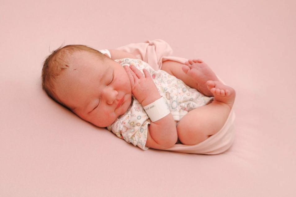 Mila Anastasia, geboren am 2. Juli, Geburtsort: Meißen, Gewicht: 3.208 Gramm, Größe: 46 Zentimeter, Eltern: Stephanie und Falko Nickel, Wohnort: Weinböhla