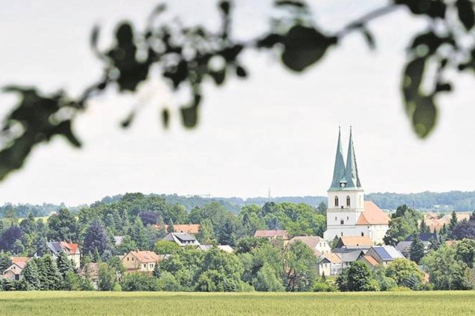 Die Kirche gehört zum Dorf – das ist nicht nur in Göda so. Im Bautzener Oberland wurden deshalb in den letzten Jahren auch einige Kirchen mit Geld aus dem Fördertopf für die ländliche Entwicklung saniert. Wie es in der Region mit dieser Förderung weiterge