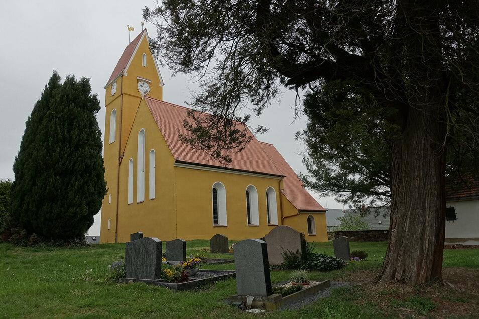 Die Simselwitzer Kirche ist ein Schmuckstück. Die Fassade wurde saniert und das Dach neu gedeckt.