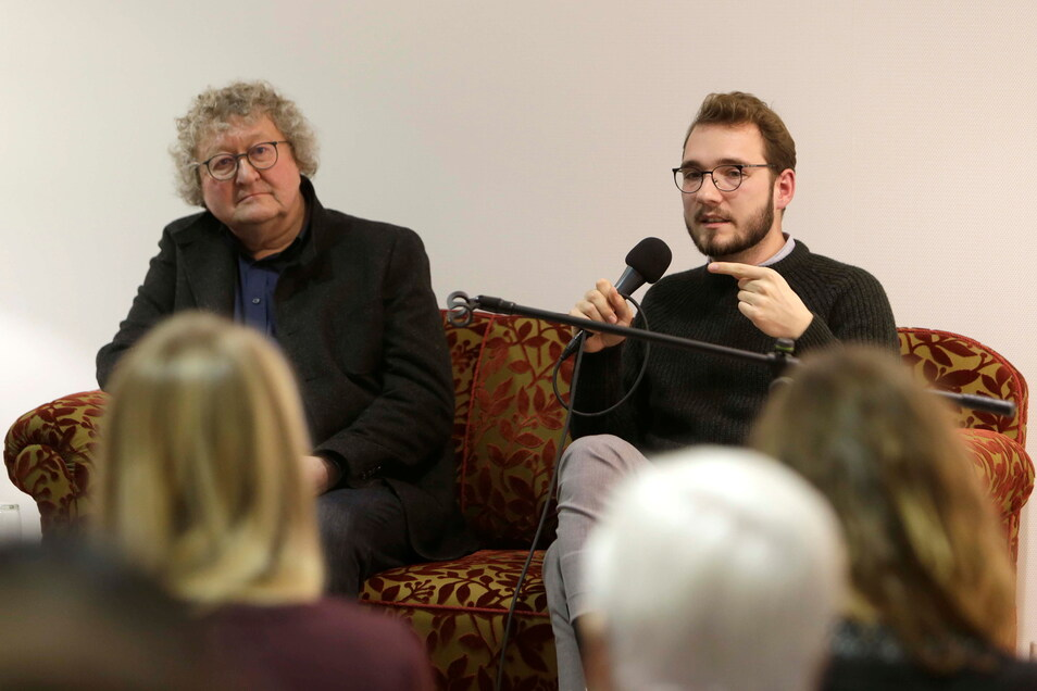 Lukas Rietzschel bei einer Diskussion mit dem Dresdner Politikwissenschaftler Prof. Dr. Werner Patzelt