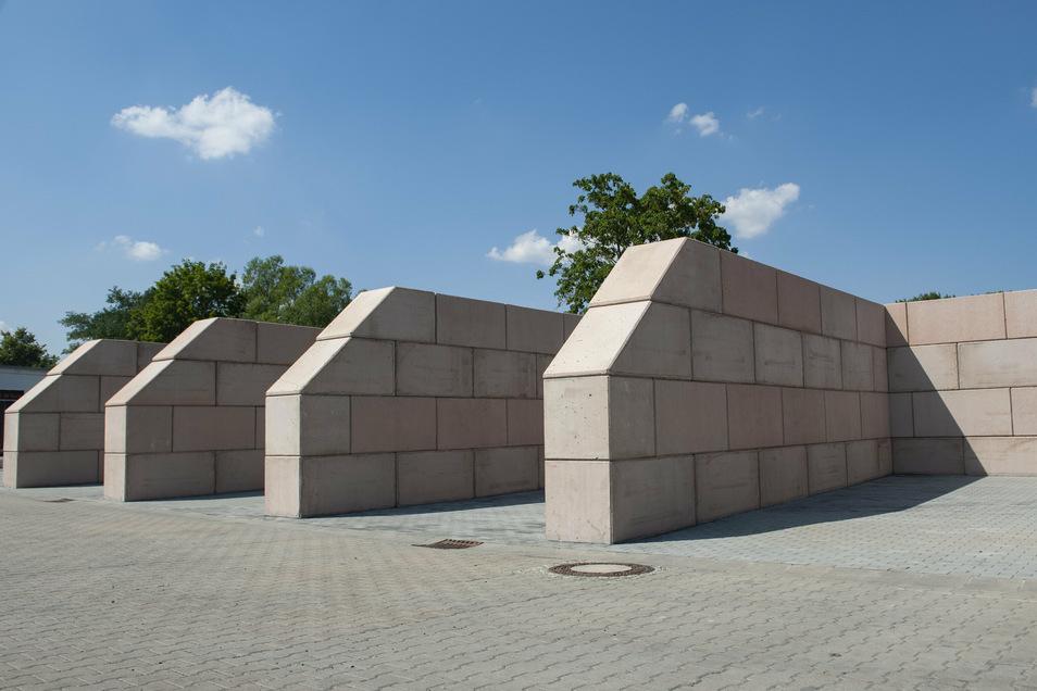 Neue Schüttgutboxen erleichtern künftig die Arbeit für die Beschäftigten des Stadtbauhofes.