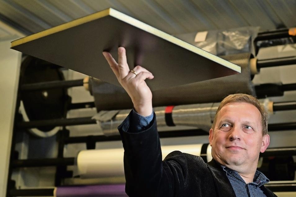 Kann man daraus Schiffe bauen? Markus Mütsch sagt ja: Der frühere Riesaer Finanzbürgermeister führt eine Leichtbau-Forschungsfirma – und würde gern an Binnenschiffen aus Faserverbundwerkstoffen mitarbeiten.