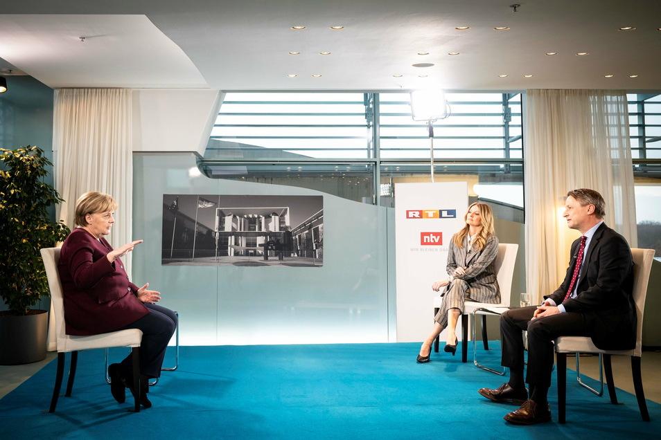 Zwei TV-Interviews zur besten Sendezeit zeugen von Sorge im Kanzleramt.