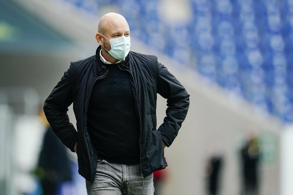 Hoffenheims Sportchef Alexander Rosen fordert ein Umdenken bei Länderspielreisen in Risikogebiete.