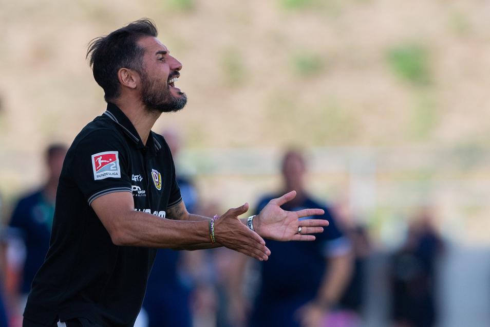 So ganz zufrieden war Cristian Fiel mit dem Spiel seiner Mannschaft am 10. August gegen Dassendorf nicht. Was er über die Pyrovorfälle denkt, ist nicht überliefert.