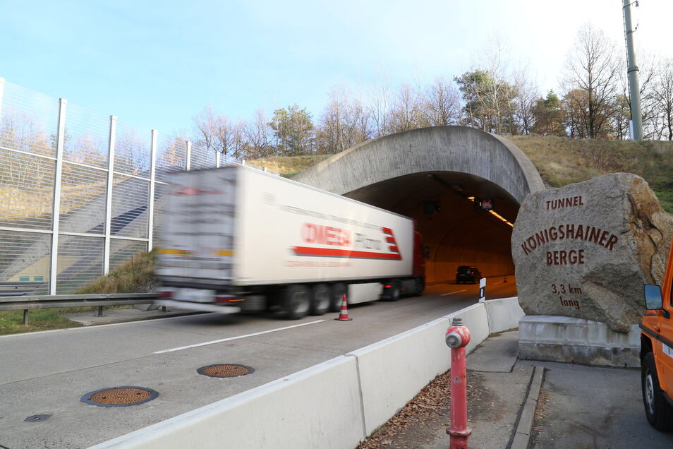 In der Nähe des Tunnelportals auf Kodersdorfer Seite soll die Feuerwache errichtet werden. Dazu sind noch umfangreiche Arbeiten nötig.