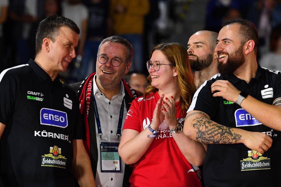 Der größte sportliche Erfolg in dieser Saison: Der DSC gewinnt in Stuttgart den Pokal - und Sandra Zimmermann ist mittendrin.