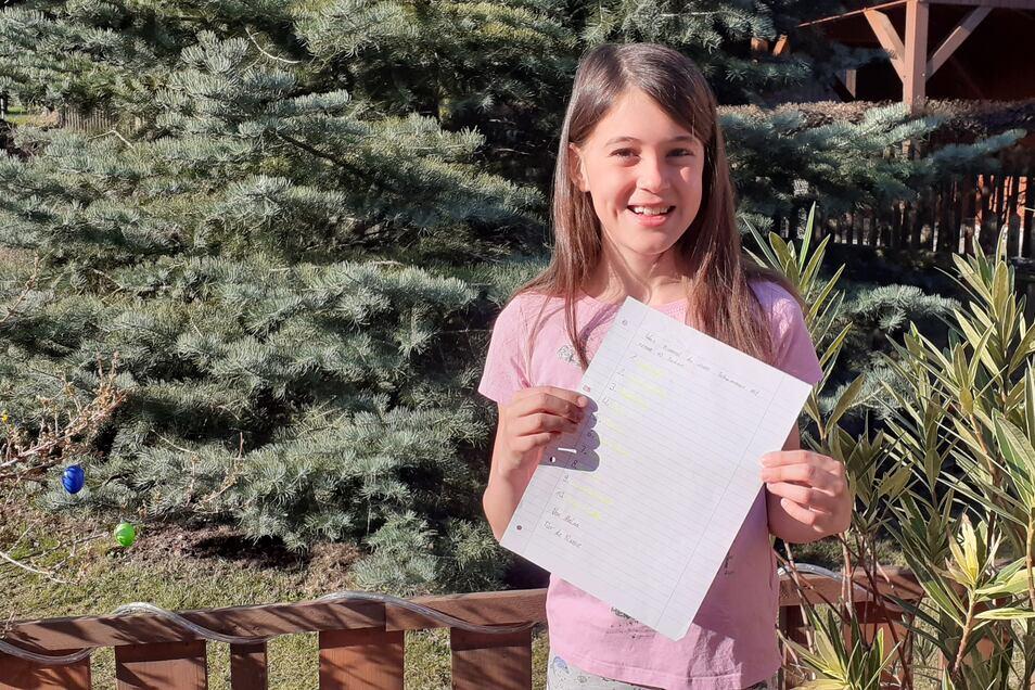 Auch ohne Handy hat Melina aus der dritten Klasse den Kontakt zu einigen Mitschülerinnen und Freunden nicht abreißen lassen. Sie haben sich gegenseitig kleine Aufgaben gestellt.