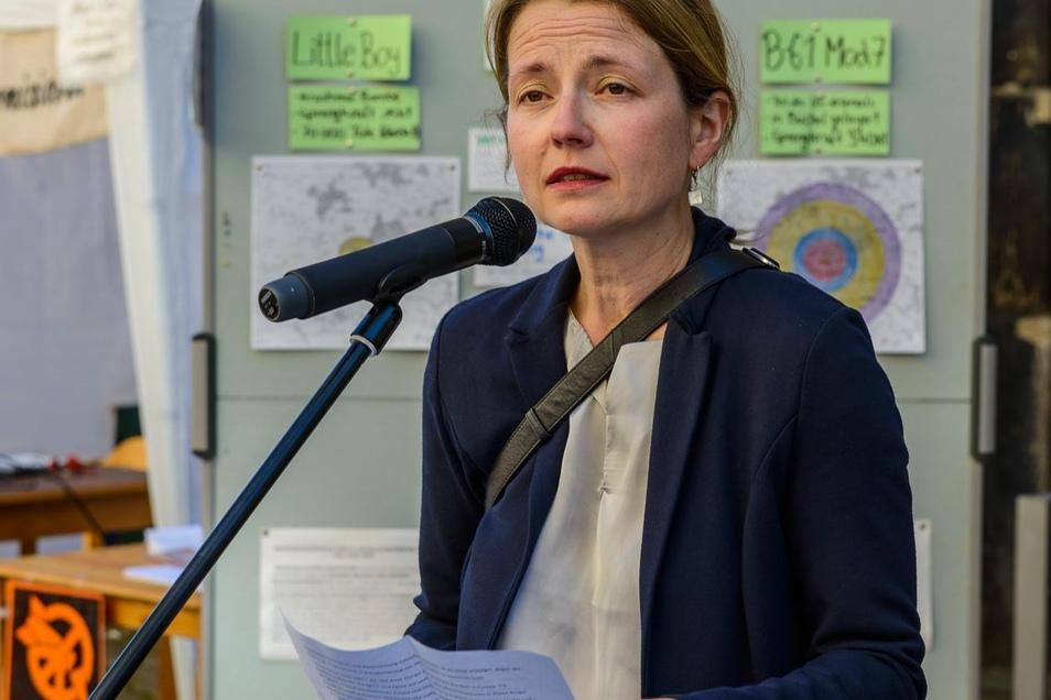 An der Mahnwache nahm auch Dresdens Zweite Bürgermeisterin Annekatrin Klepsch teil.