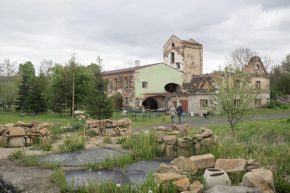 Künstlerisches Provisorium: die ehemalige Brauerei des Großbauerngutes.