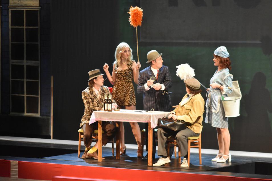 """Im Oktober 2018 war mit """"Die Olsenbande und das Gebiss des Grauens"""" eine Inszenierung des Deutsch-Sorbischen Volkstheaters Bautzen Teil des Abonnements für Musiktheater."""