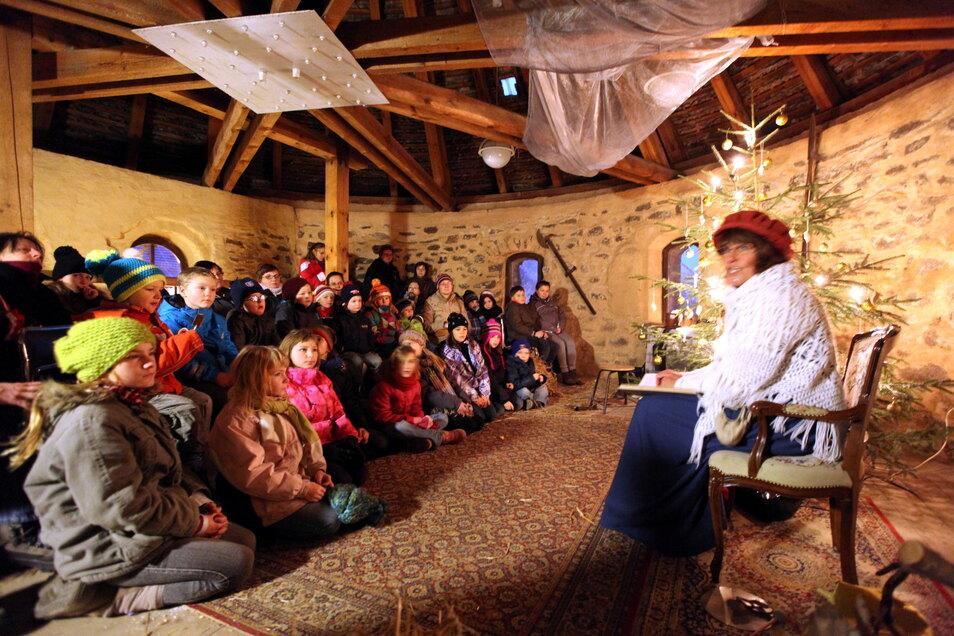 Auch im Pichschuppen bei der Märchenerzählerin wird es meistens eng. Wie kann der Zugang zu solchen Veranstaltungsorten ohne große Einschnitte geregelt werden?