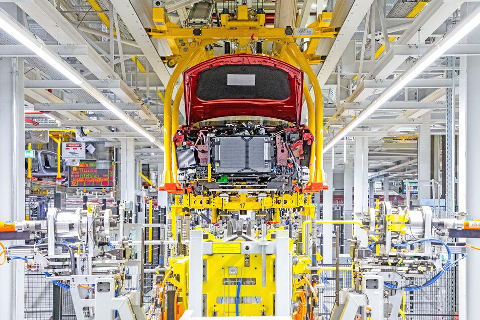 Blick in die Produktion im Opel-Werk Rüsselsheim.