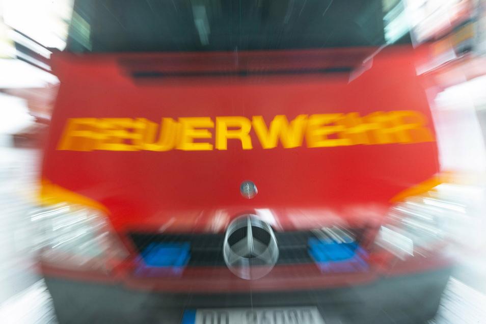 Die Feuerwehren von Radebeul-Ost und Kötzschenbroda mussten am Mittwochmittag nach Lindenau ausrücken.