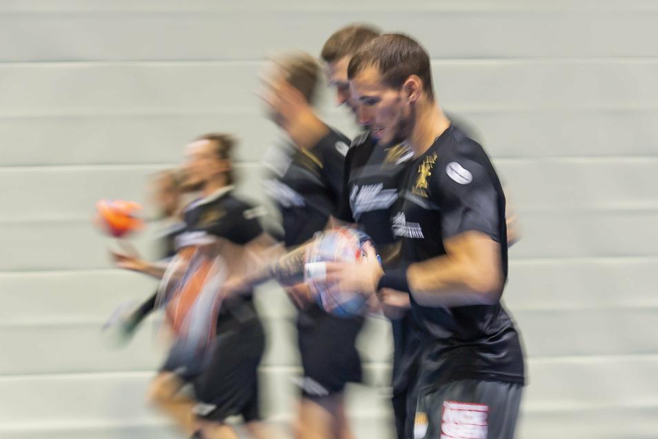 Dresdens Linksaußen Marek Vanco sieht seine Mannschaft gegen Aue in der Favoritenrolle.