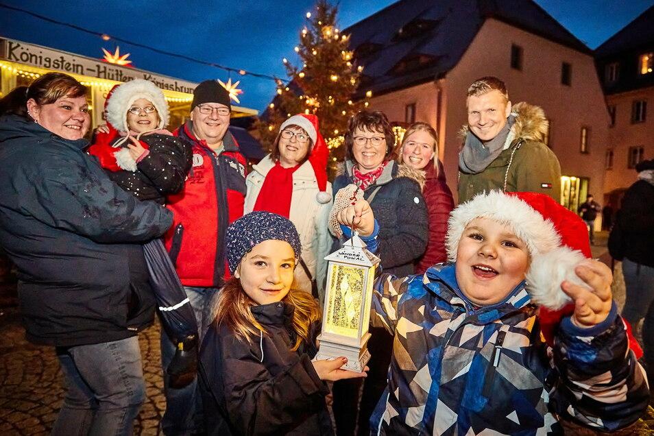 Laternen für die richtige Weihnachtsstimmung: Königstein hatte im vergangenen Jahr einen Preis für die schönste Adventsbeleuchtung vergeben. Den Wettbewerb gibt es 2020 nicht, romantisch soll es dennoch werden.